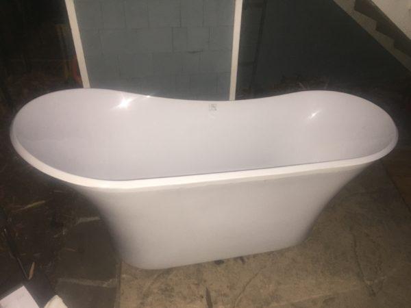 Grande Soaking Tub