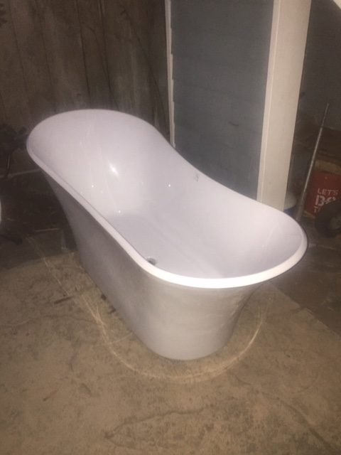 petite soaking bathtub